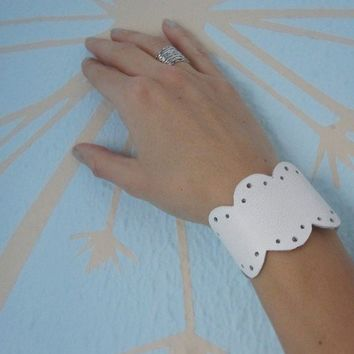 Butter Lace Leather Bracelet by TheButterfliesShop on Etsy