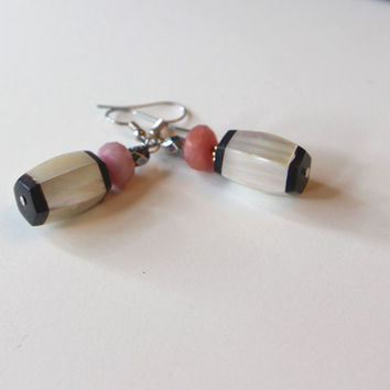 Vintage Mother of Pearl Earrings Shimmery MOP w Black Horn and Soft Pink Rhodocrosite on Silver Plated French Hooks earthy Jewelry