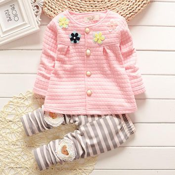 New baby autumn clothes for the baby cute cartoon Pattern T-shirt + trousers cotton clothing,fashion Baby Girl Suit Baby Clothes