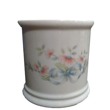 Princess House Heritage Floral Ribbon Container