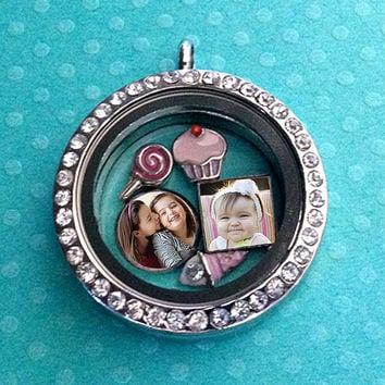 Photo Locket Necklace. Origami Owl Round Magnetic Living Locket with 3 Round/Square Floating Photo Charms
