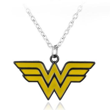 Superhero Wonder Woman Necklace Colar Colares Yellow Wonder Woman Symbol Letter W Necklaces Pendants Fans Necklace Women
