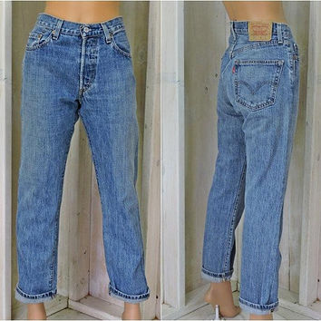 Vintage 90s Levis 501 jeans / 32 X 30 size 8 / 9 / High waisted Levis  / Button Fly / Straight Leg