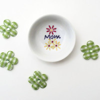 Personalized Hand Painted Ring Dish for Mom great Mothers Day Gift for Moms wedding ring.