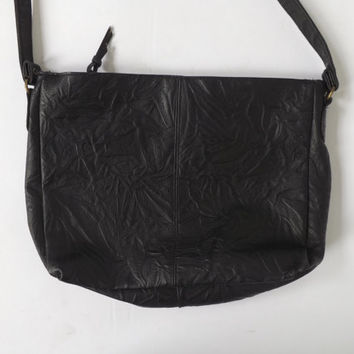 Vintage 1980s 90s Black Textured Engraved Leather Bag Punk Purse  Boho Rocker Chick Embossed Leather Cross Body Bag Hipster Grunge Indie