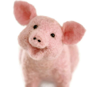 Needle Felted Pink Pig Needle felted animal by BearCreekDesign