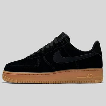 AUGUAU Nike Wmns Air Force 1 '07 Se Black Black-Gum Med Brown-Ivory