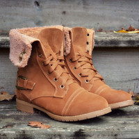SZ 5 Cambridge Tan Fur Boots