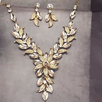 Gold Leaf Flower Bridal jewelry set, Bridal V Shape Necklace Earrings, Prom Jewelry Set