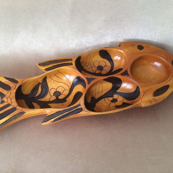Wooden Fish Bowl, Hand Carved, Fish Design, Wood Snack Server, Made in Haiti, Carved  Etched, Two Tone Stained, Fish Shaped Serving, Tiki