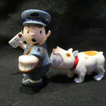 Mailman & Angry Dog Salt and Pepper Shakers (1176)