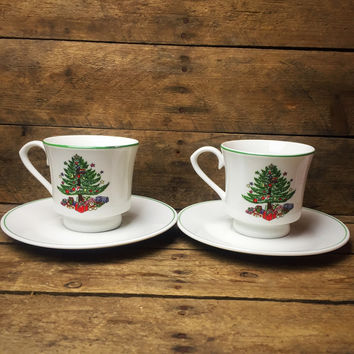 Gibson Set of 2 Christmas Teacup / Mug with Saucer Christmas Tree design