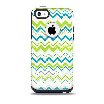 The Green & Blue Leveled Chevron Pattern Skin for the iPhone 5c OtterBox Commuter Case
