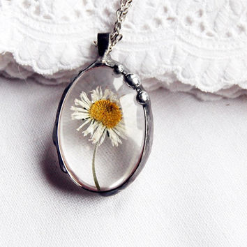 Real dried flowers oval glass daisy statement nostalgic vintage retro wedding beadwork statement pendant necklace