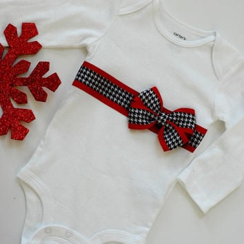 Baby Christmas Outfit, Bow Christmas outfit, Houndstooth Bow Onesuit