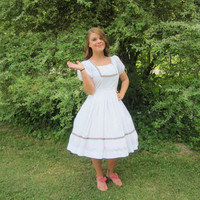ON SALE 50's Dress / 1950's White Bavarian Costume Dress  / Full Skirt Square Dance Dress / Oktoberfest Dress