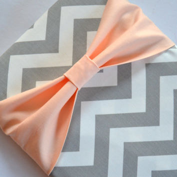 Macbook Pro 13 / Macbook Air Case , Zippered Laptop Sleeve - Grey and White Chevron with Peach Bow and Outer Pocket