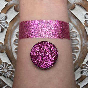 Pinktastic pressed glitter eyeshadow, Holographic pink