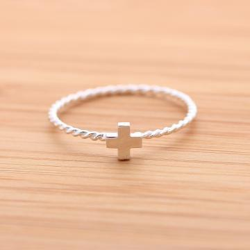 CROSS ring with twisted band in sterling silver by bythecoco on Zibbet