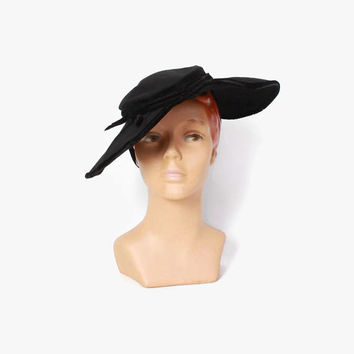 Vintage 40s Black HAT / 1940s Soft Felt & Velvet Ribbon Wide Brim Tilt Hat