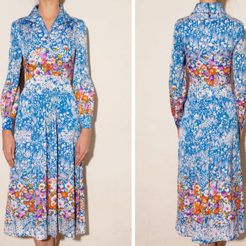 1970's blue floral vintage dress ,large collar dress, Blue floral dress,Button down front dress, Chic style dress, Long sleeve dress