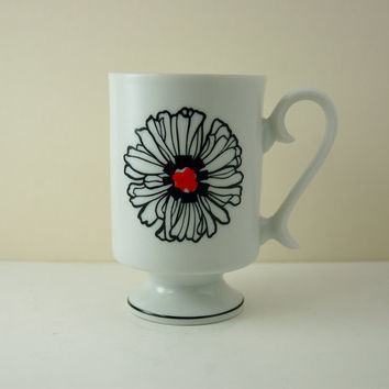 Vintage Porcelain Pedestal Mug, Black Outline Zinnia Style Flower, Hippie Noir Style, Retro Pop Art