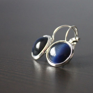 Deep Blue // gemstone cabochon earrings silver - cateye dark blue - 14 mm - elegant earrings