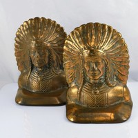 Native American Bookends Chief Indian Headdress Feathers Copper Plated Covered Bronzed Cast Iron Vintage Western Library