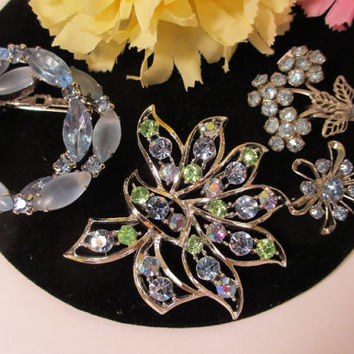 Vintage Costume Booch Pins Lot Blue Glass Rhinestone Jewelry