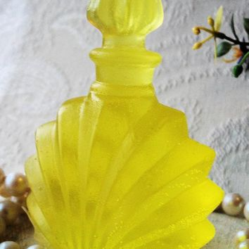 Set of 6 Perfume Bottle Soap Favors in Gift Boxes