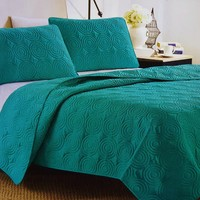 """Comfortable Elegance Teal Swirl Queen Size Reversible 3-Piece Quilt Set: 1 Quilt (86"""" x 86"""") and 2 Pillow Shams (20"""" x 26"""")"""