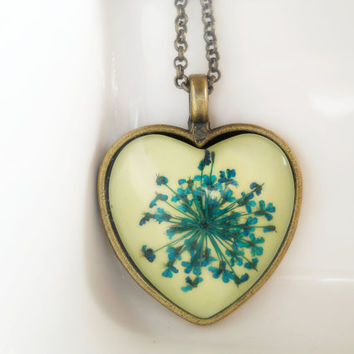 Real lace pressed flowers heart pendant necklace, antique brass jewelry, turquoise flowers, resin jewelry, Queen Ann lace flowers, romantic