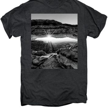 Supernatural West - Mesa Arch Sunburst In Black And White - Men's Premium T-Shirt