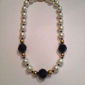 Vintage Faux Pearl Black Facetted Bead Gold Necklace Costume Jewelry