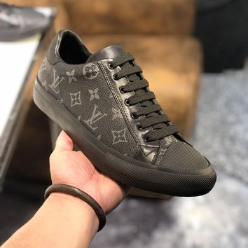 LV  Man Fashion Casual Shoes Men Fashion Boots fashionable Casual leather Breathable