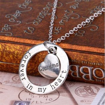 2016 Mothers Day Gift Family Love Necklaces For Grandma Child Classic Forever Friendship in My Heart Necklace Alloy Fine Jewelry