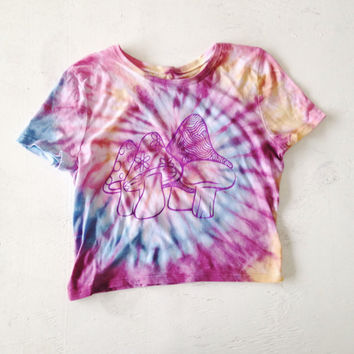 Mushroom Tie Dye Crop Top 70s Inspired Tumblr Graphic Tee