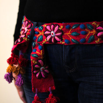 Wool embroidered belt floral, handmade belts, peruvian belts, wool belts, belt embroidered, floral belts