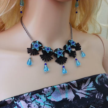 Black and blue choker, Blue Crystals necklace, blue choker, black gothic, victorian necklace. black and blue necklace, flowers necklace