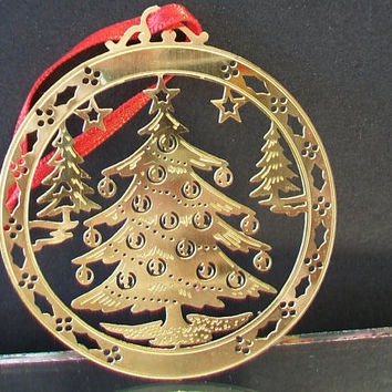 christmas tree cut out ornament round metal festive holiday home - Metal Christmas Ornaments