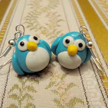 Bird earrings with big eyes made from turqoise and by NellinShoppi