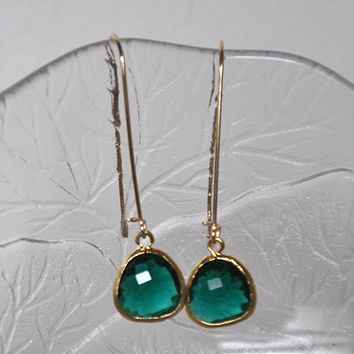 Emerald Green Earrings, Dangle earrings,  Gold filled Ear wires, green glass drops, Dangle Earrings, Long Earrings