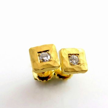 Diamond earring studs, 18K Gold Earrings, Stud Earrings Gold, Diamond stud earrings , Elegant Earrings, Hammered Earrings, Vintage earrings