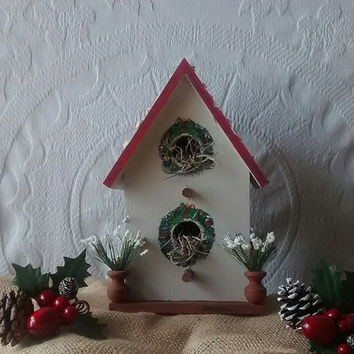 Primitive Christmas Birdhouse
