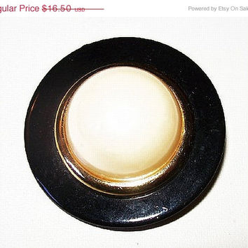 "CIJ Sale Black White Domed Brooch Pin Gold Metal Trim Thermoset or Bakelite Material 2"" Vintage"
