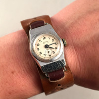 "RARE Vintage women's wristwatch ""STAR"" ( Zvezda) with its original strap!!! RARE!!!. Great collectible watch."