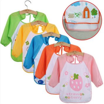 1 PC New Children Baby Todders Waterproof Long Sleeve Art Smock Bibs Apron Cartoon Boy Girl Feeding clothing Bib W20
