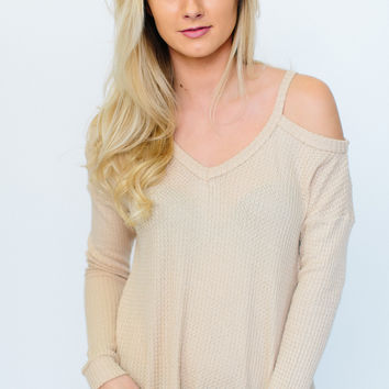 Better Love Cold Shoulder Thermal - Taupe
