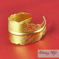 Golden Feather Adjustable Ring