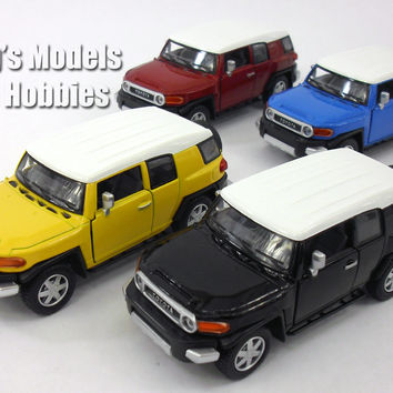 Toyota FJ Cruiser 1/36 Scale Diecast Metal Model by Kinsmart